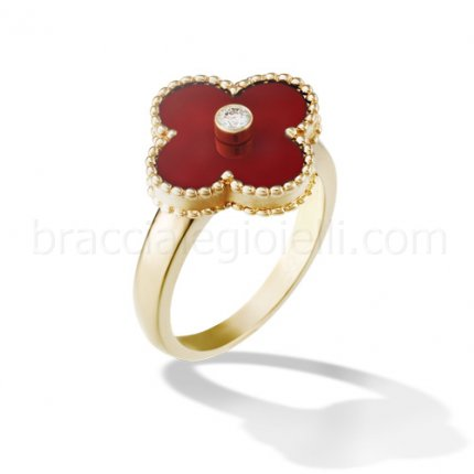 replica Van Cleef & Arpels Vintage Alhambra yellow gold diamond ring carnelian
