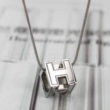 Hermes white gold necklace chain openworked cube H pendant